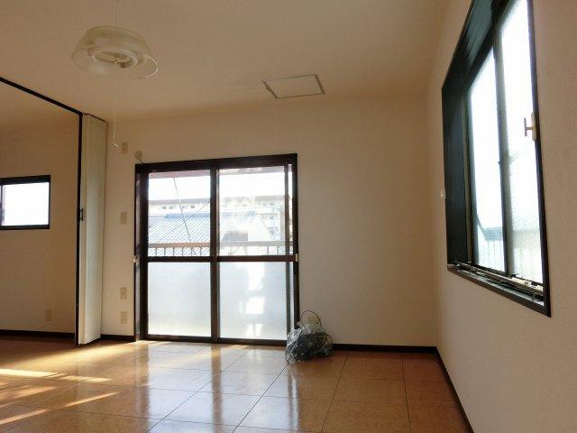 清州マンション 10畳洋室
