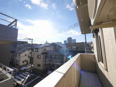 バルコニーからの眺望・東向きです。(3階)
