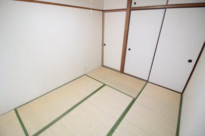 【寝室】ロイヤルトップレジデンス