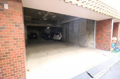 【駐車場】ロイヤルトップレジデンス