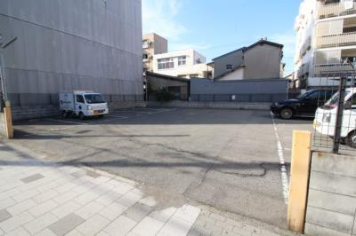 【駐車場】プラターヌ