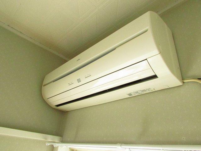 エアコンは洋室、和室ともに完備。