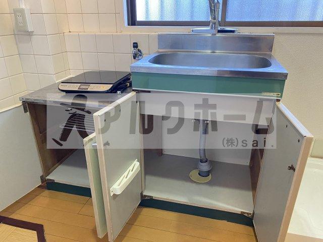 グリーンヒル110 6畳洋室