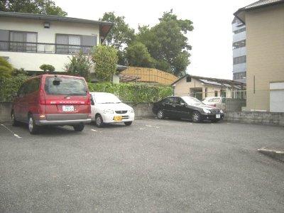 ローズガーデン第二駐車場