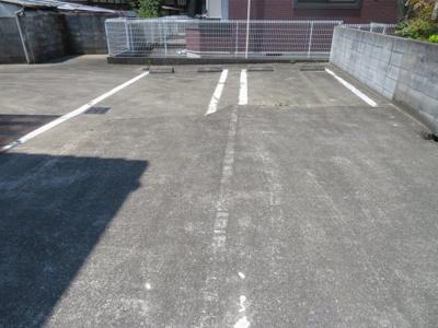 縦列2台駐車可能