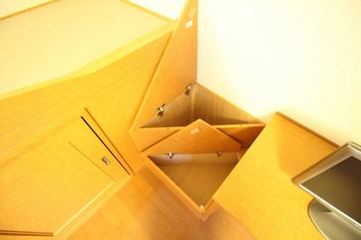 ★階段収納★