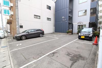 【駐車場】ウェルピアヤマサキ