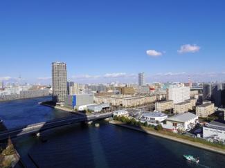 北東側バルコニーからの眺望。