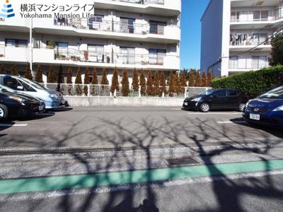 駐車場です。(空きは問い合わせください。)