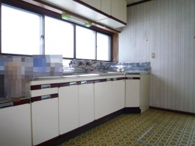 広々使い易いキッチンです