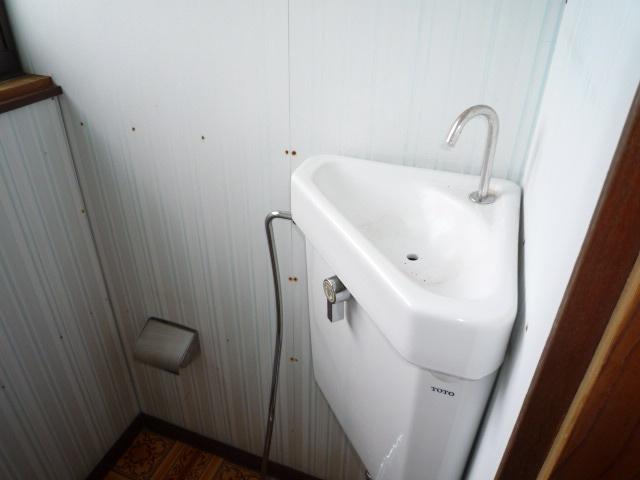 トイレ内の手洗い