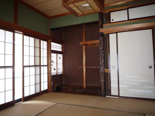 1階和室6丁 畳は冬場の足元ヒンヤリ感が少ないです