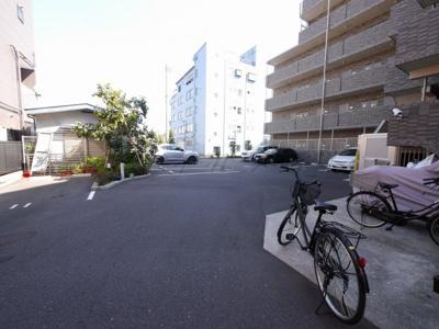 【駐車場】SOLARE横浜・当社では仲介手数料半額キャンペーン中
