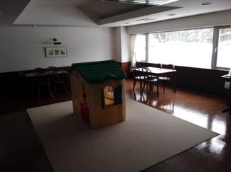共用設備の2階ロビー横にあるキッズルーム