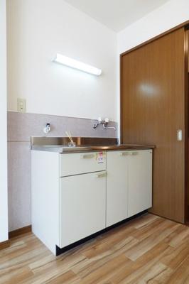 【キッチン】ロイヤルビレッジ