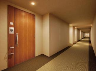 ホテルライクな内廊下 ザ・湾岸タワーレックスガーデン