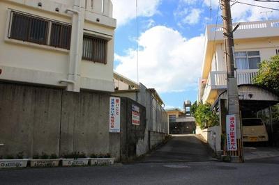 【前面道路含む現地写真】那覇市首里石嶺町 売土地