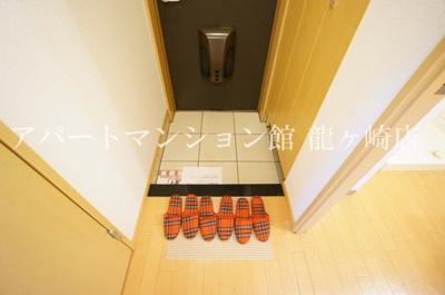 【玄関】プラムローズ