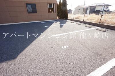 【駐車場】プラムローズ