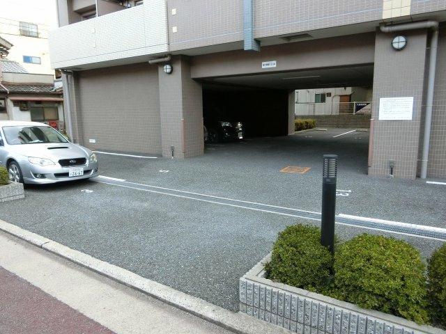 ベルドミール末広5番館(八尾市末広町) 駐車場