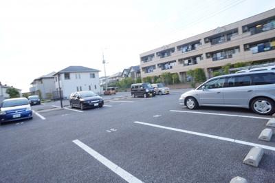 【駐車場】ベルファミーユ2