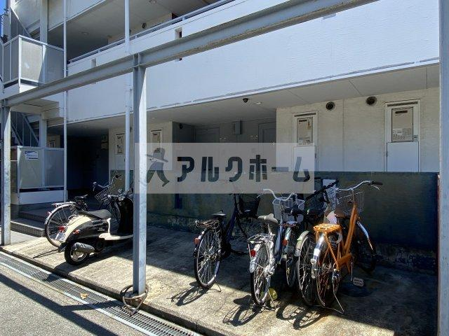 PLUS-01(プラスワン) 駐輪場