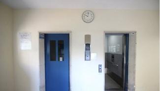 世田谷区南烏山 リノベーションマンション 烏山南住宅1号棟 エレベータ