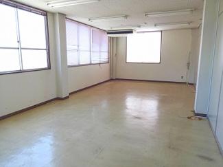 【居間・リビング】本町2丁目 貸事務所
