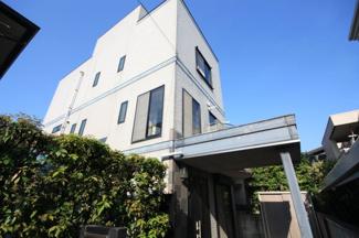 昭和町の一戸建てです 3階建ての間取りはしっかりあるタイプですね。 小学校にも近くて通学も安心です