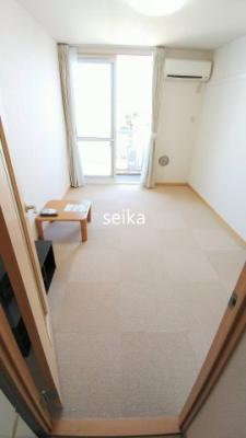 ※参考写真 現況優先 1階はフローリング、2階以上はカーペットタイプとなります。