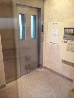 ABEビルのエレベーターホールです。
