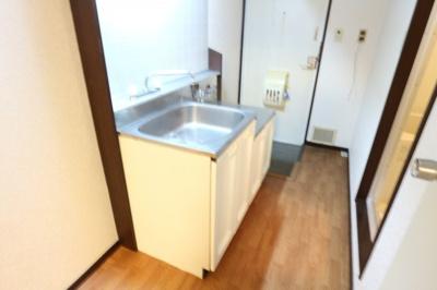 【キッチン】リバーサイドパレス