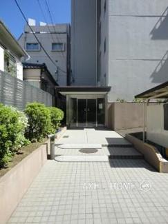 渋谷区代々木 リノベーションマンション 「メゾン代々木 602」 エントランス