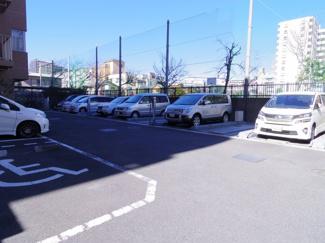 ガーデンホーム住吉パークフォート マンション敷地内の駐車場