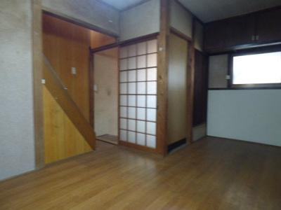 【居間・リビング】西田中町貸家(1-5)