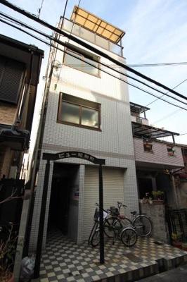 地下鉄御堂筋線『昭和町駅』から徒歩3分の好立地な物件です。