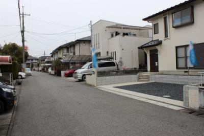 敷地から前面道路