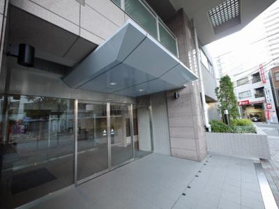 【エントランス】ドゥーエ横浜駅前・当社では仲介手数料無料キャンペーン中