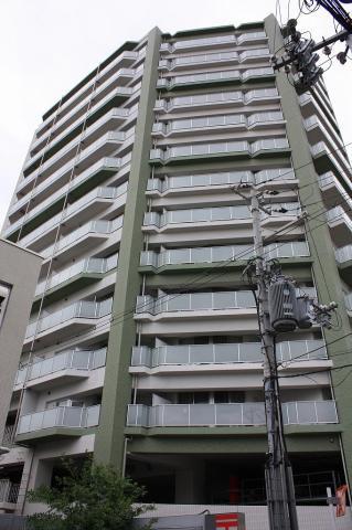 津久野駅前のマンション群の一棟 シングルのかたにお勧めな立地です