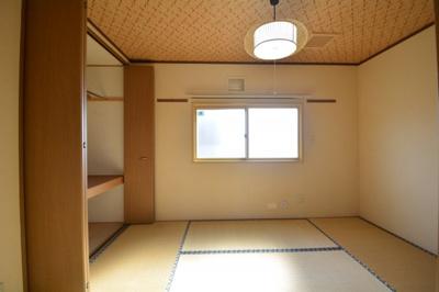 2階和室があれば、来客や子供用のスペースとして活躍します