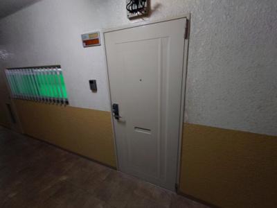 【玄関】フラットピア88