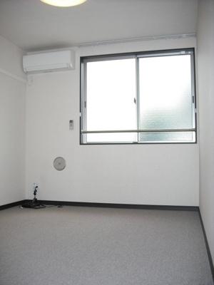 2階リビング、カーペット状になっています。