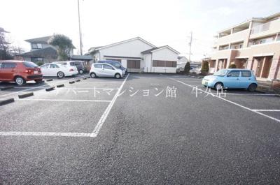 【駐車場】チェリーガーデン