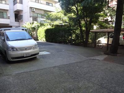エクセル藤和 駐車場