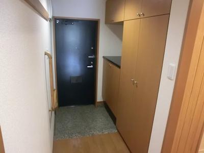 【玄関】フルールヤマタ