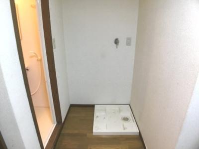 洗面台、洗濯機は残置物扱いとなりますので、修理は致しません。