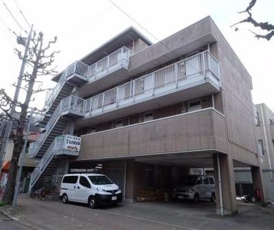 千葉大学正門まで徒歩1分の場所にあります