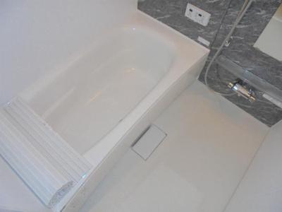1616タイプで広めの浴槽
