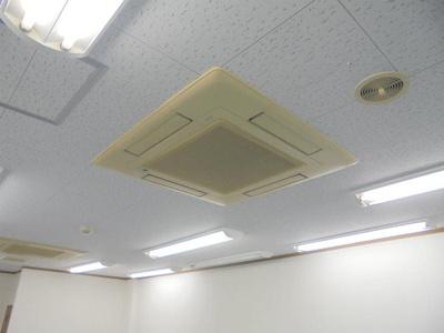 業務用エアコン2基付き(残地物扱い)