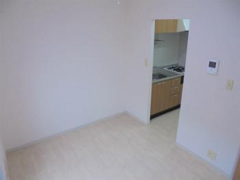 洋室(キッチン側)
